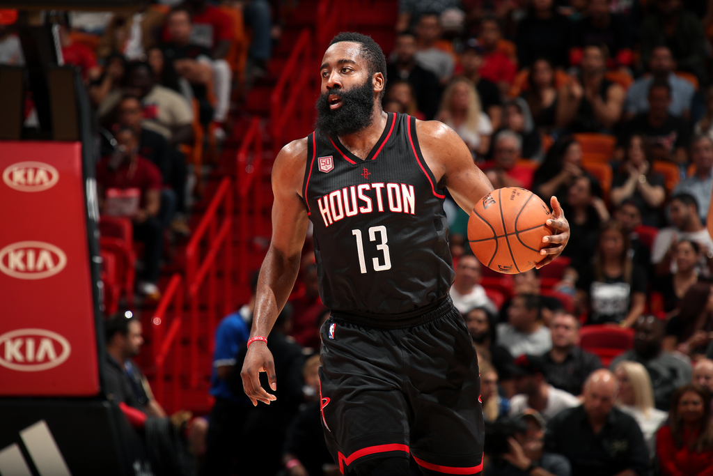 James Harden logra primer triple-doble de 60 puntos en la NBA