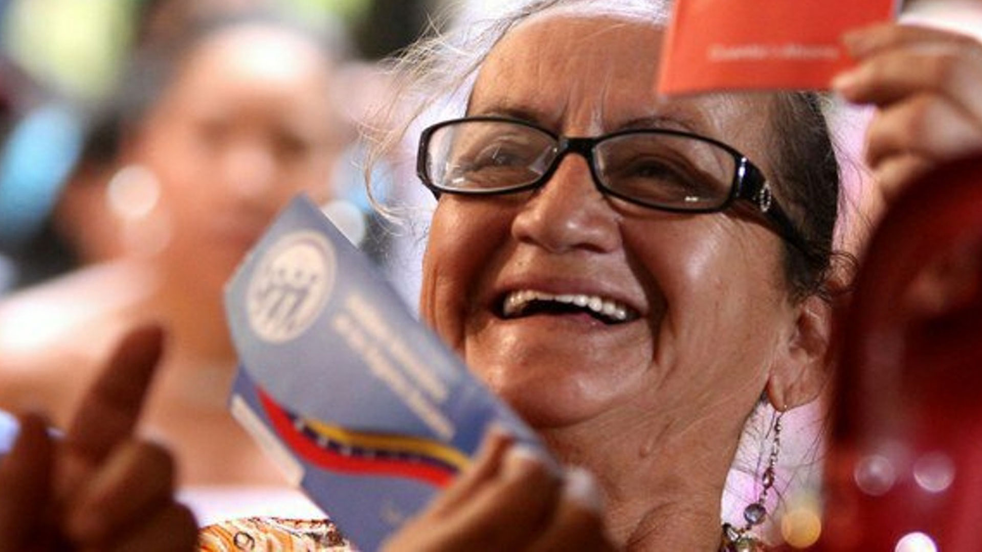 Pensiones Amor mayor junio - ACN